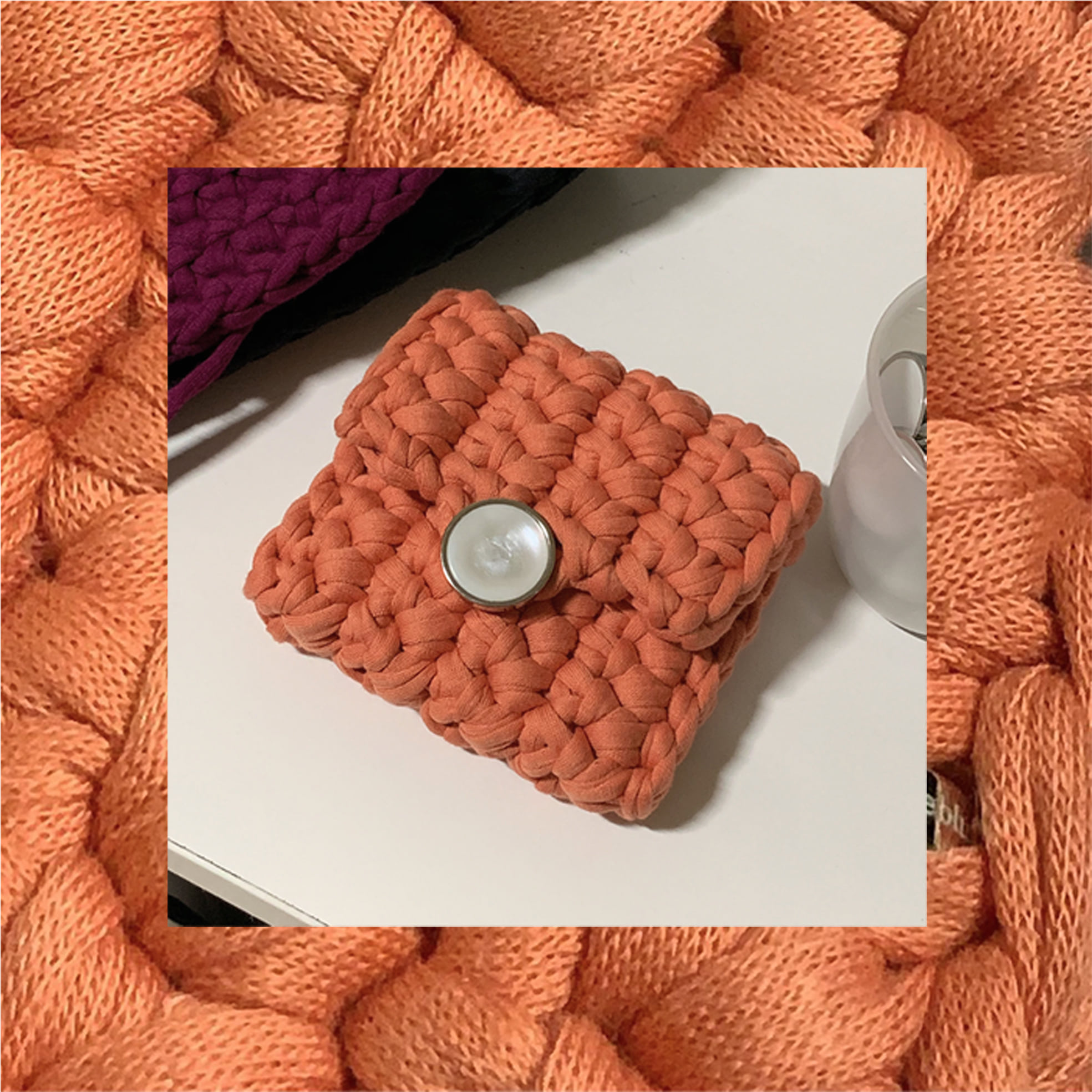 BUTTON CASE / coral
